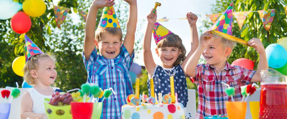 на детский праздник на природе можно пригласить много друзей