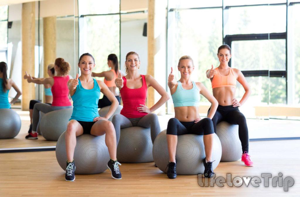фитнес с шаром укрепляет мышцы