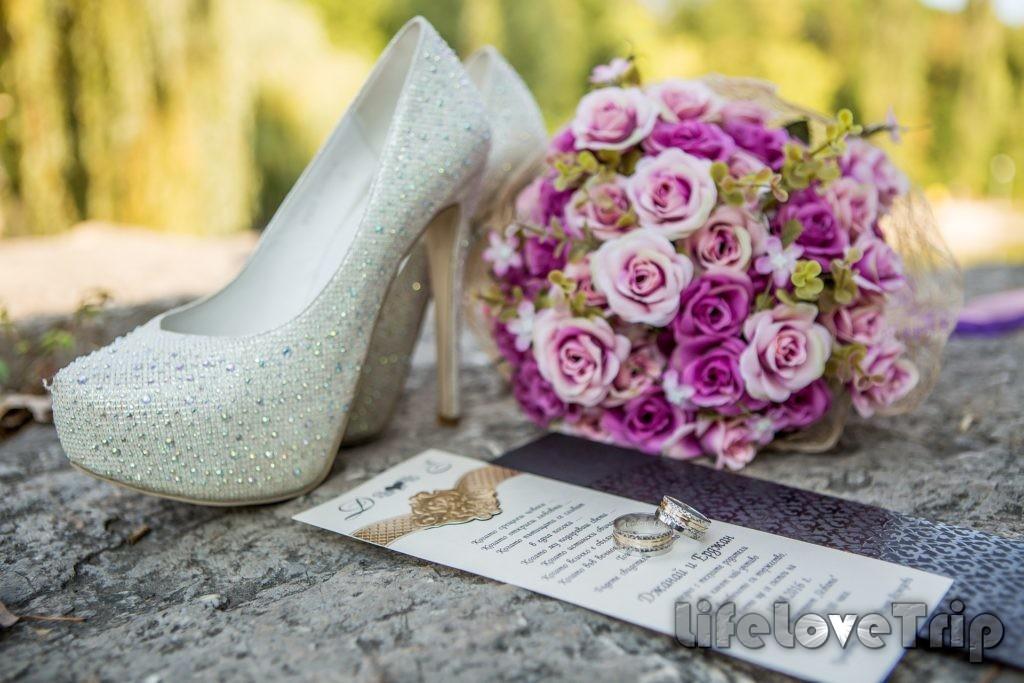 в последнюю очередь можно выбрать букет невесты