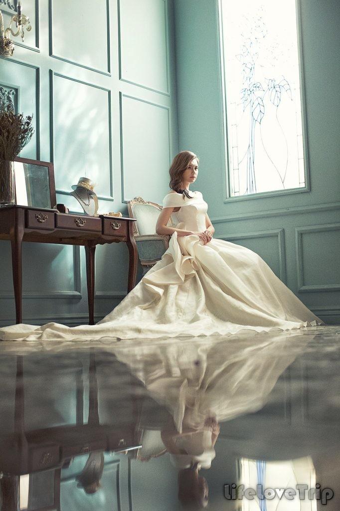 роскошное свадебное платье не обязательно должно быть белым