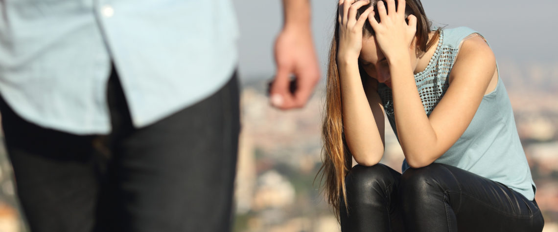 Разберитесь врет ли ваш муж только вам либо всем окружающим.