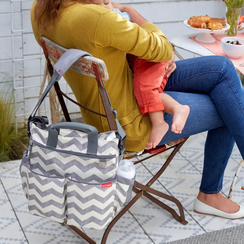 мама с малышом в кафе - нормальная ситуация