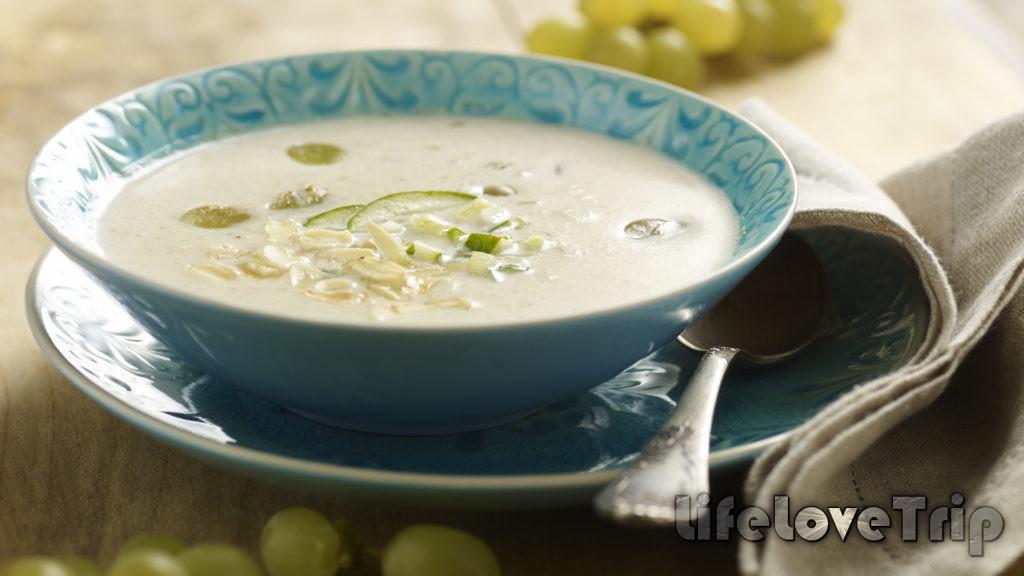 белый суп с чесноком и миндалем торжество вкуса