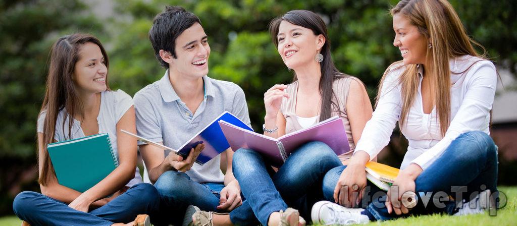 Обучение в университете в Испании можно совмещать с работой.