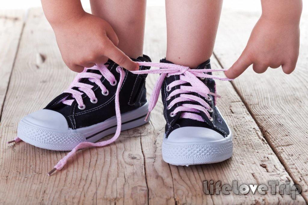 Ребенку должна нравиться купленная ему обувь.