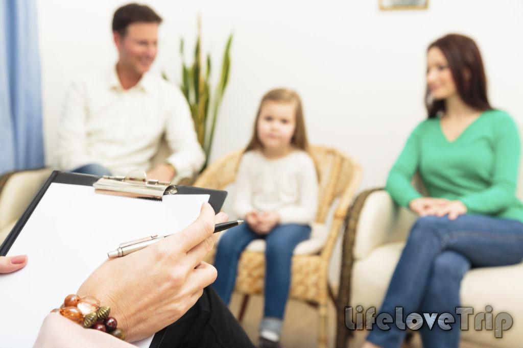 Посещение детского психолога поможет родителям понимать своего ребенка лучше.