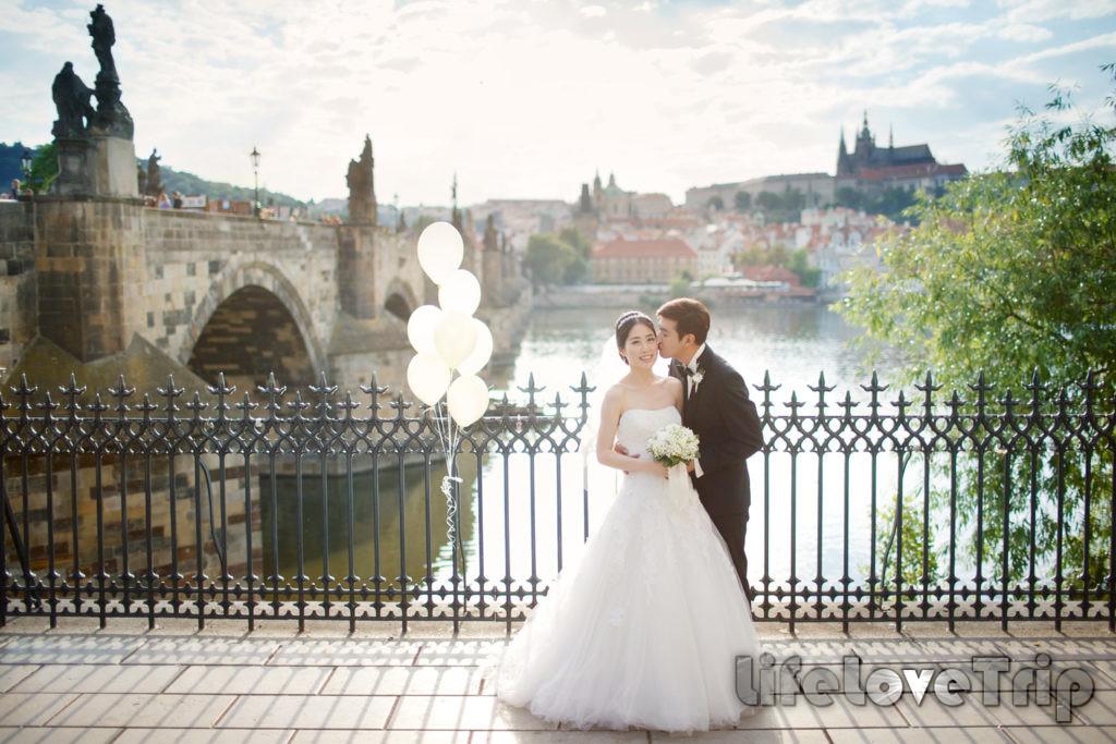 Свадебное путешествия всегда будет радостным, если его планировали вместе.