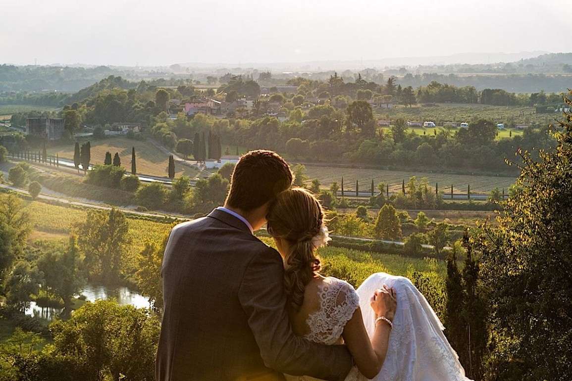 Свадебное путешествие во Францию всегда незабываемо.