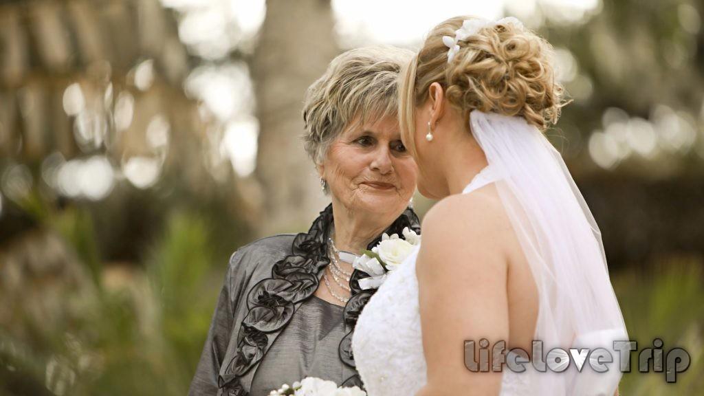 Мама жены после свадьбы ощущает меньшее к себе внимание.