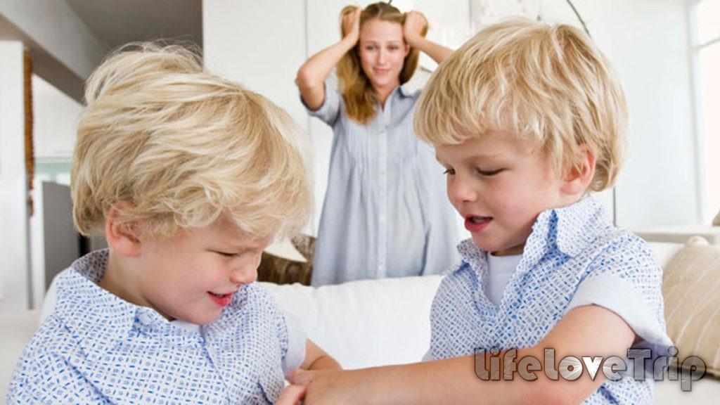 Не выделяйте одного ребенка среди других.