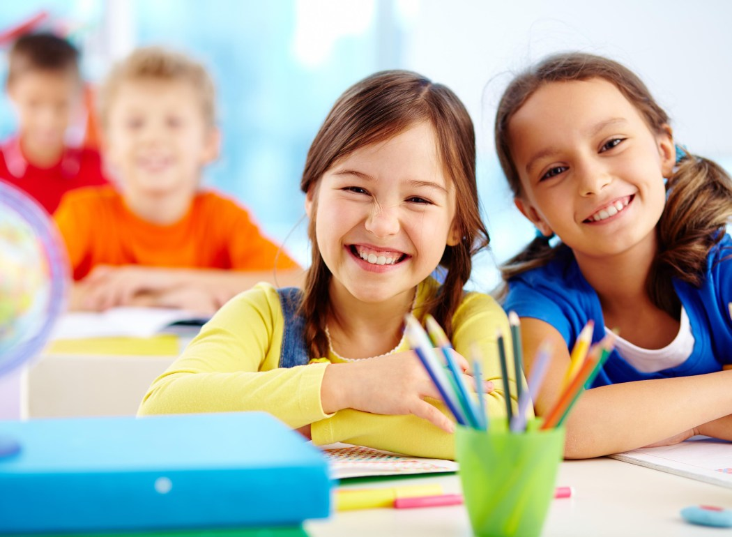 Школу для ребенка следует выбирать заранее.