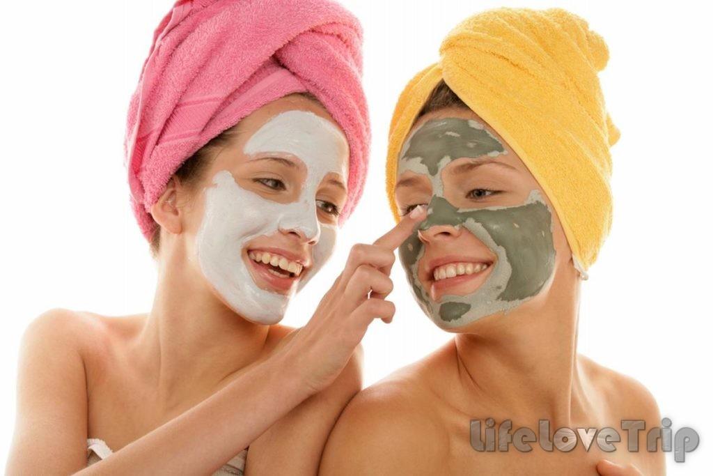 Альгинатная маска увлажняет и охлаждает кожу лица, воздействует как антибактериальное и противовоспалительное средство.